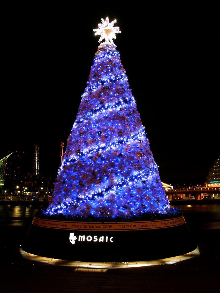 神戸ハーバーランド・モザイクのクリスマスツリー/神戸市/神戸ハーバーランドのクリスマス/壁紙写真無料写真素材