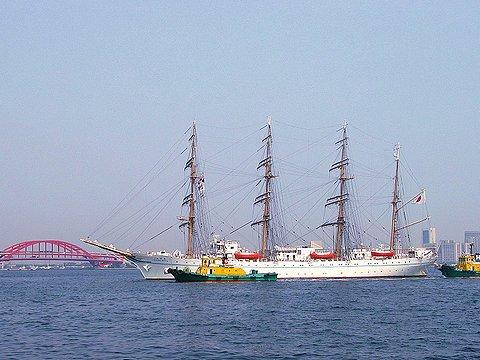帆船海王丸と神戸港、神戸大橋
