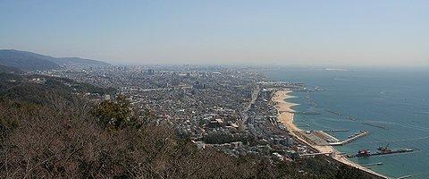 須磨山上遊園展望閣から見た神戸市東部の風景