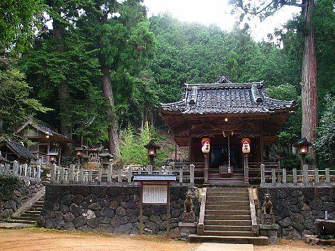 大屋町大杉の二宮神社