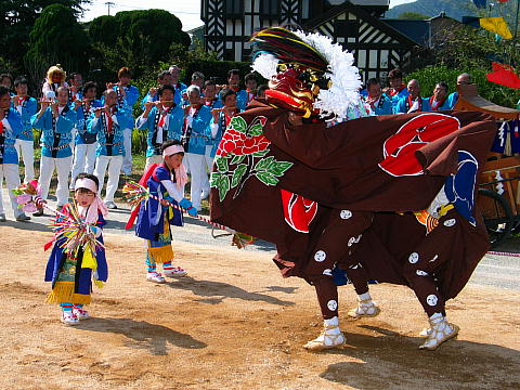 平之荘神社秋祭りの獅子舞・播州の秋まつり