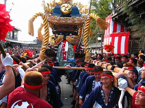屋台の宮入「チョーサー(チョウサ)」魚吹八幡神社秋祭り・播州の秋祭り