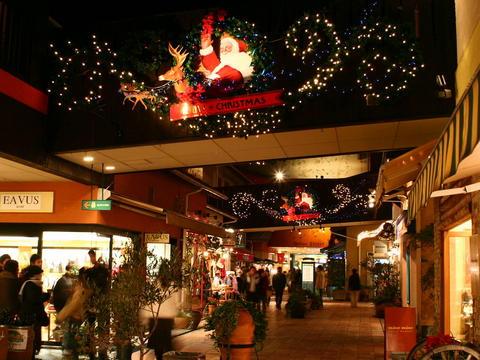 神戸ハーバーランド・モザイクのクリスマスイルミネーション壁紙写真