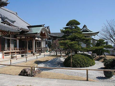 人麿山 月照寺の日本庭園