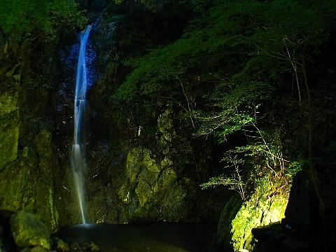 独鈷の滝 滝まつりとライトアップ