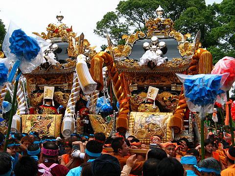 恵美酒宮天満神社秋祭り・屋台の練り合わせ