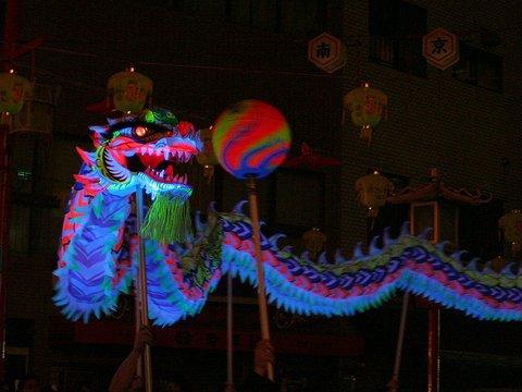 夜光龍の龍舞・南京町の神戸空港開港記念イベント