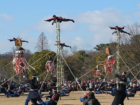 姫路市消防団 はしご乗りの演技・姫路市消防出初式