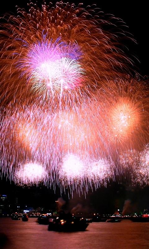 神戸花火大会と神戸港と神戸メリケンパークライトアップ夜景・花火の壁紙