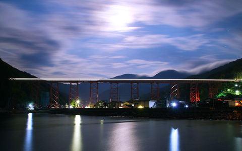 壁紙写真・余部鉄橋の夜景
