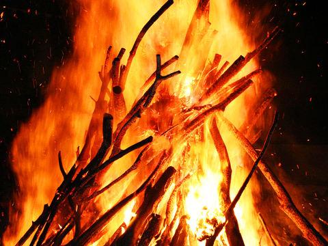 炎の壁紙写真/火の無料写真素材