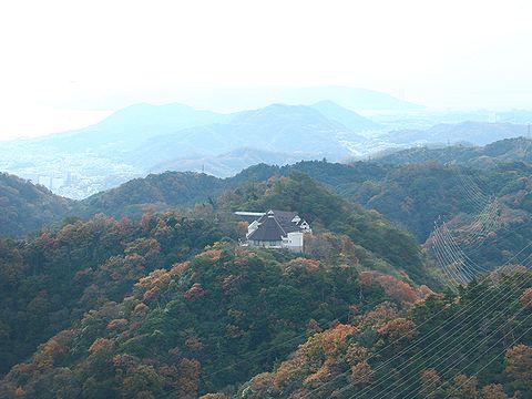 摩耶山登山道から見た布引ハーブ園/神戸市六甲山
