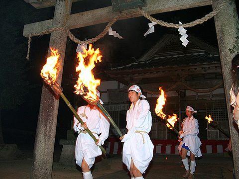 御神火の行列/出石 愛宕神社の火祭り(愛宕の火振り)