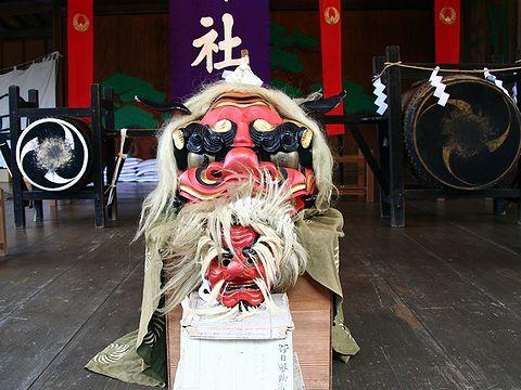 獅子頭と天狗の面/篠山市 春日神社秋祭り