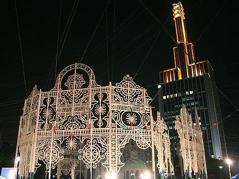 2006神戸ルミナリエ点灯前のスパッリエーラ/神戸市東遊園地