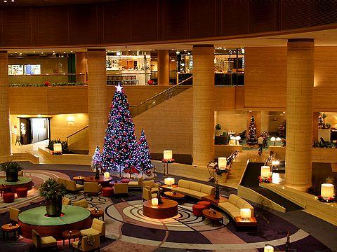 神戸ポートピアホテルのクリスマスツリー/神戸市ポートアイランド