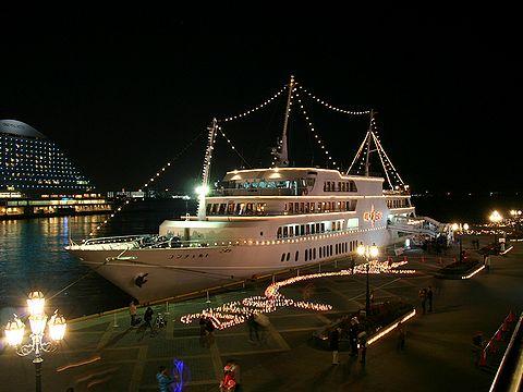 クルーズ船コンチェルト/神戸ハーバーランド・高浜岸壁