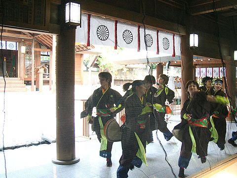 廣田神社本殿前でよさこいを奉納する颯爽JAPAN/西宮市