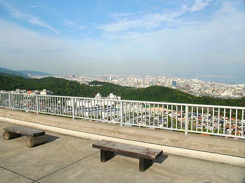 おらが山(高倉山)とおらが茶屋展望台からの見た神戸の風景/神戸市須磨区