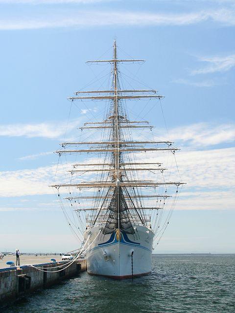 帆船 海王丸 / 神戸市中央区・神戸港新港第1突堤