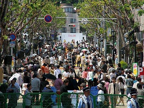 北野坂・神戸異人館通り/インフィオラータこうべ2006