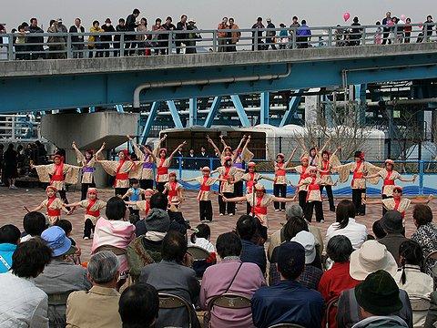 アーモンド並木と春の音楽会/東部水環境センター