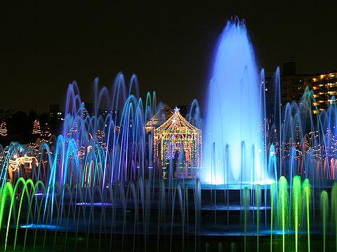 噴水のライトアップ/アクアルミナス・宝塚阪神競馬場のイルミネーション/宝塚の夜景