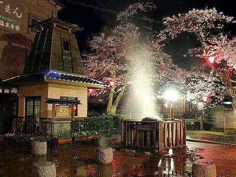 城崎温泉の泉源と足湯