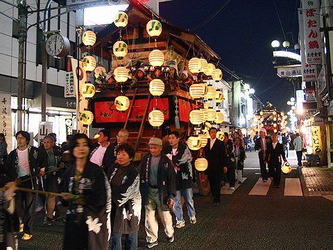 提灯をともして山鉾巡航/篠山市 春日神社秋祭り