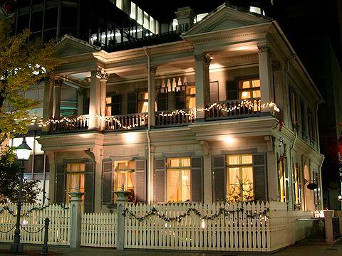 居留地15番館・旧アメリカ領事館のライトアップ・神戸旧居留地の夜景/神戸市