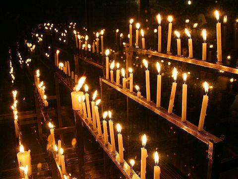 献灯・ロウソクの炎/神戸市須磨寺