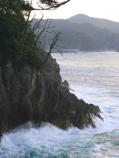香住海岸と日本海の風景/香美町香住区 香住港
