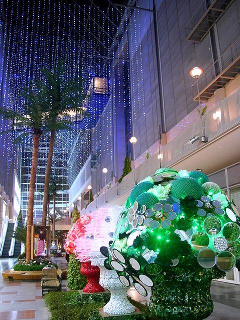 イタリアントリコロールブーケ印象派絵画のガーデンミュージアム/神戸市・ハーバーランドキャナルガーデン