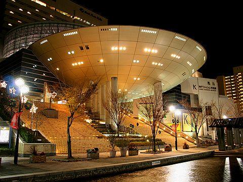 神戸ファッション美術館の夜景/神戸市六甲アイランド