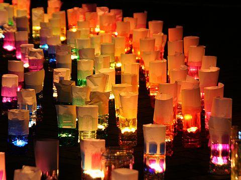 100万人のキャンドルナイト・キャンドルの灯り/神戸市ハーバーランドモザイク高浜岸壁