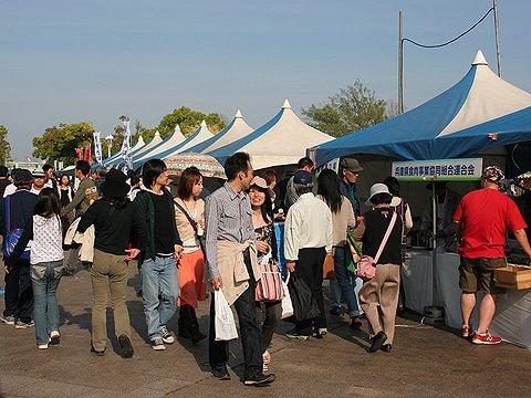 神戸ビーフ、南京町の屋台など神戸の名物屋台が集合