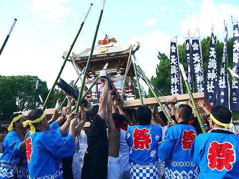 御神輿の練り回し/稲美町・天満神社秋祭り