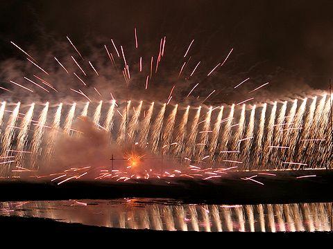 ナイアガラの滝/たつの市 みつ海まつりの花火