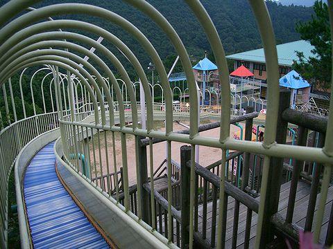 日本最大級のすべり台「ビッグスライダー」/佐用町 笹ケ丘公園