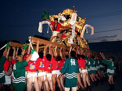 太鼓屋台の練り回し/高砂市・小松原三社大神社秋祭り