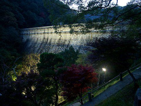 布引ダム(五本松堰堤・布引貯水池)のライトアップと夜景/神戸市六甲山