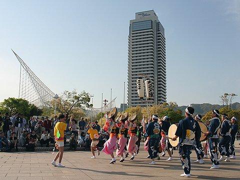 神戸ちるど連の阿波踊り/メリケンパーク