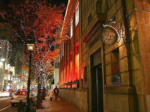 旧居留地38番館・大丸神戸店のライトアップ・神戸旧居留地の夜景/神戸市