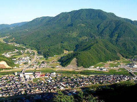 竹田城から見た竹田の町並みと立雲峡