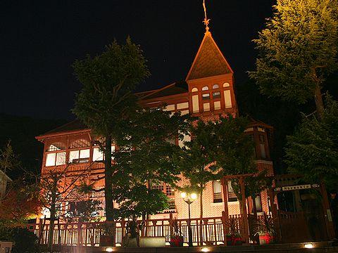 風見鶏の館ライトアップ/神戸市異人館街の夜景