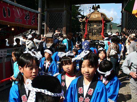 御輿渡御/篠山・春日神社の秋祭り