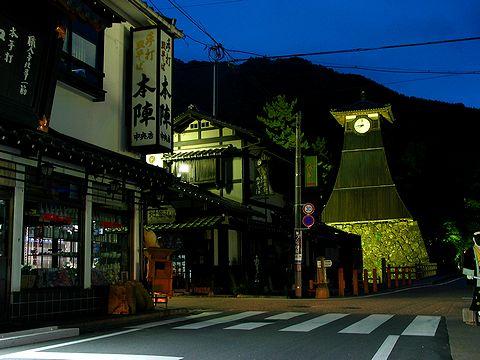 辰鼓櫓のライトアップと出石の夜景/豊岡市出石町