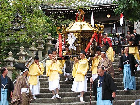 御輿の陸渡御・大避神社の秋祭り(播州秋祭り)/赤穂市