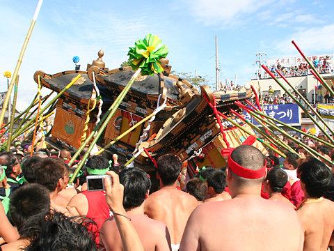 神輿合わせ(楼門前)・灘のけんか祭り