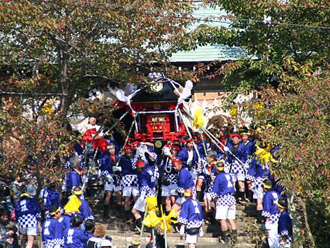 喧嘩御輿(けんかみこし)の宮出し・生石神社秋祭り(播州の秋祭り)/高砂市